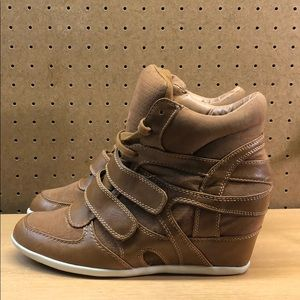 Nine West Women's Wedge Sneakers Size 11